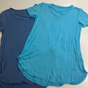 Set of two unbranded blue short sleeve tops